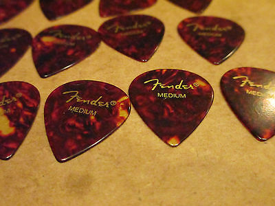 25 Fender Guitar Picks - Tear Drop Jazz - Fake Brown Tortoise Shell Medium