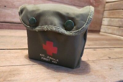 Vintage COMPLETE ORIGINAL JUNGLE FIRST AID KIT w/ CONTENTS MEDICAL ARMY MARINE?
