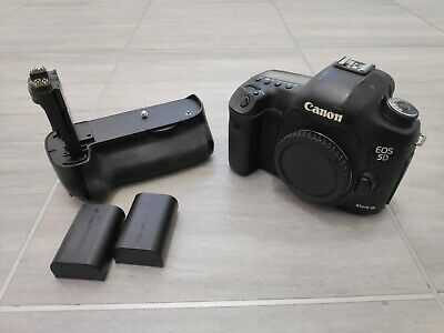 Canon EOS 5D Mark III 22.3MP Digital SLR Camera + extras (41,013 actuations)