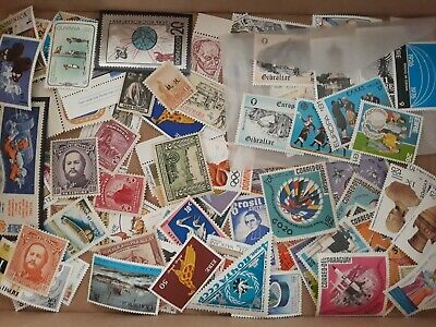 [W900] Worldwide 100 different MNH with some better minimum 10 complete set.