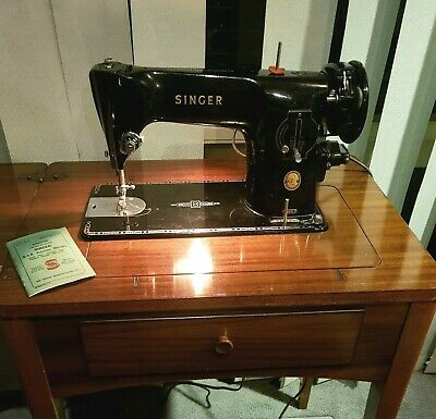 Vintage Singer 201k Sewing Machine in Mahogany Sewing Table