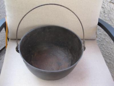 Antique #3 Unmarked Cast Iron Scotch Bowl Kettle with Heat Ring +  Gate Mark