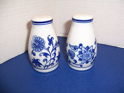 Pier 1 Mandarin White & Blue Salt and Pepper Shakers 3 Holes Original Stoppers