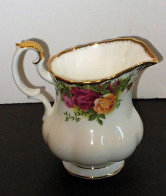 Royal Albert Old Country Roses CREAMER   made in England