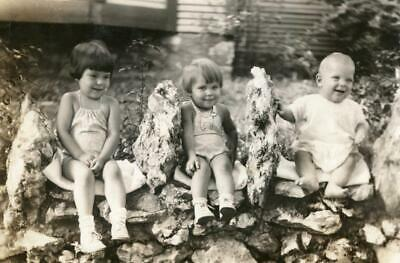 MT144 Vtg Photo WHAT ARE THESE KIDS SITTING ON!!