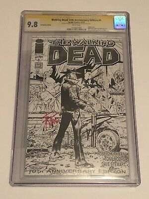 THE WALKING DEAD 1 10th Anniversary 9.8 SS CGC KIRKMAN MOORE B&W NYCC  2013