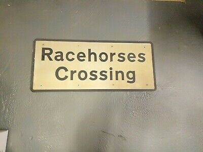 Racehorses Crossing Alloy Sign