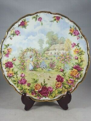 """ROYAL ALBERT 8.5"""" PLATE, """"A Celebration of the OLD COUNTRY ROSE GARDEN 1986 EXC."""