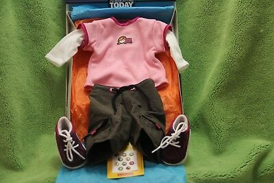 """American Girl 2001 """"Skateboard Outfit"""" - COMPLETE - RETIRED - RARE - NEW"""