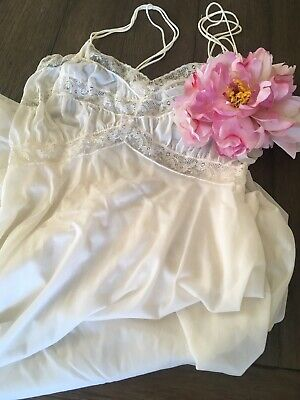 VTG Vanity Fair White Sheer Lace Negligee Lingerie Night Gown Sz 34