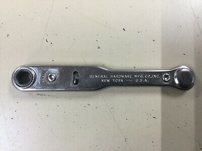 VINTAGE GENERAL HARDWARE MFG. CO. #8071 ratchet driver