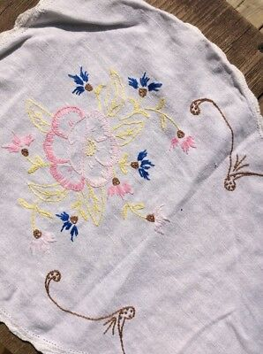 "PRETTY VINTAGE RUNNER PiNK ROSES Crochet HAND EMBROIDERED LINEN FLORAL 13""x33"""