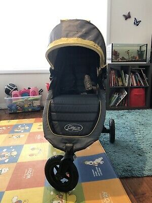 Baby Jogger City Mini GT with belly bar