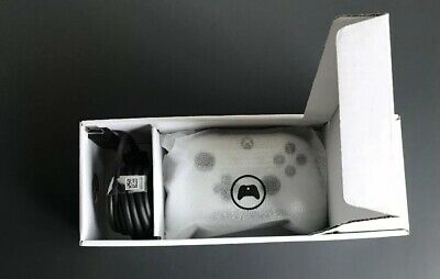 Microsoft Xbox One Wireless Bluetooth Controller - White New With HDMI Cable