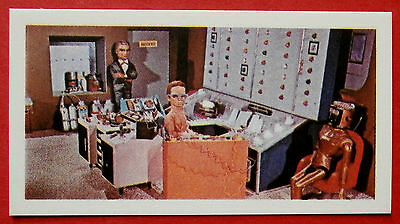 """Barratt THUNDERBIRDS 2nd Series Card #24 - Brains at Work with a New """"Toy"""""""