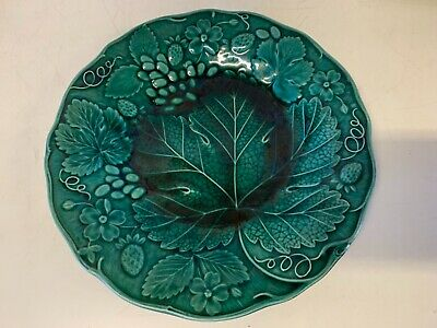 Antique 19th Century Wedgwood Majolica Porcelain Strawberry Leaf Decorated Plate