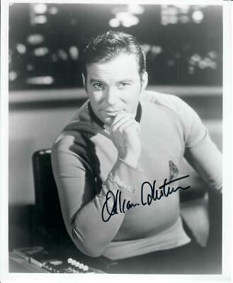 Original Autogramm William Shatner als Captain Kirk aus Star Trek, Foto 20x25cm