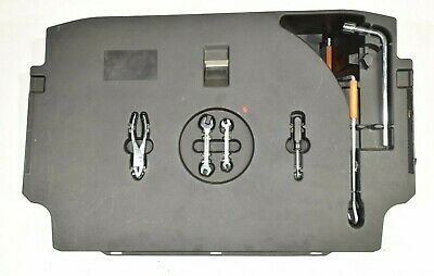 Lexus Gs 450H 05-10 Spare Wheel Cover Emergency Tool Kit Housing 75210-30011