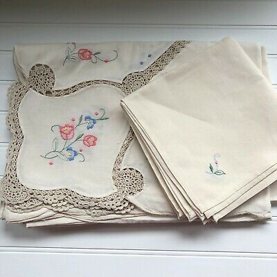 Vintage Floral Embroidery Cutwork Crochet Lace Tablecloth 58 x 82 with 8 Napkins