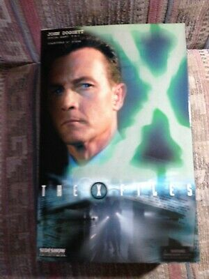 X Files Sideshow John Doggett Special Agent FBI; Suit with Overcoat Variant HTF
