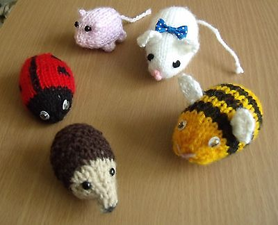 Toy Hedgehog Bee Ladybird Mouse /&  Pig Knitting Pattern