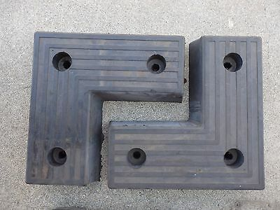 "1 Pair Rubber Truck Loading Dock Bumper 17 3/4"" Sides 7 3/4"" Width L-Shaped (E6)"