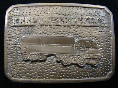 RE01174 VINTAGE 1970s **KEEP ON TRUCKIN'** TRUCK DRIVER SOLID BRASS BELT BUCKLE
