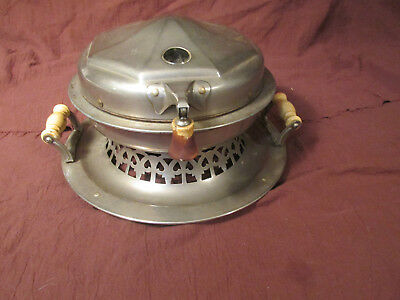 Antique Meriden Homelectrics Waffle Iron Baker Retro Kitchen Display Art Deco
