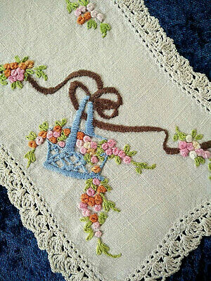 Stunning Grub Roses Basket    Vintage Hand embroidered Sandwich Doily