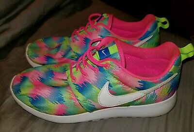 79ce0908fa00 Girls Nike Roshe One Print GS Big Girl Light Weight Shoes 677784 607 Size 6Y