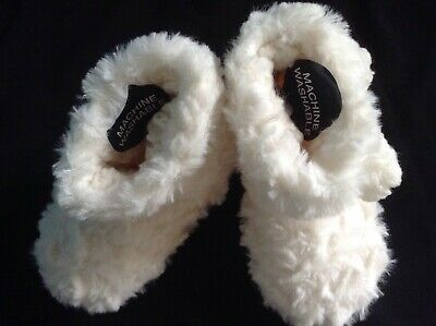 BNWT Girls M&S FAUX FUR Slipper BOOTS SIZE 5 INFANT, CREAM