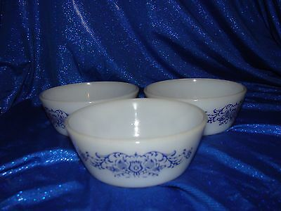 FEDERAL GLASS BLUE TULIP PATTERN  BOWLS~5 in.~Set of 3~Milk Glass