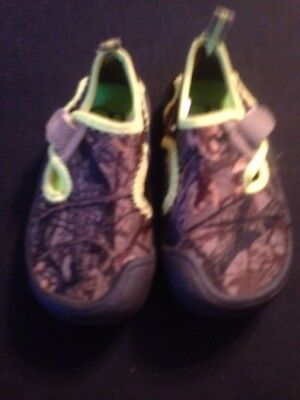 4676e6cd0 OP Toddler Boys Beach Camo Water Shoe Size Small 5 6 Swimming Pool Camping  Lakes