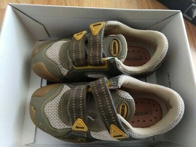 65c8c866ea47 BOYS KIDS OLIVE green suede Skechers sneakers shoes Size 12 VGUC ...