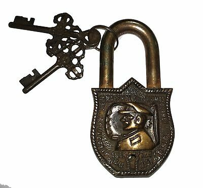 An Unusual & fascinating Brass CAPTAIN FACE Designed PADLOCK 2 keys from India