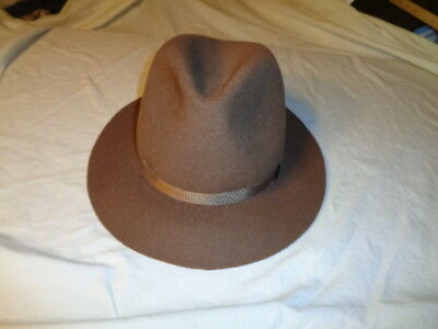 9d7520fc64642 LL Bean Men s Brown 100% Wool Hat  Fedora Made in England Pinched Crown  SMALL