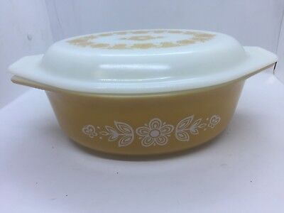 Vintage Pyrex  Butterfly Gold 1 1/2 Quart Oval Covered Casserole with Lid, #043