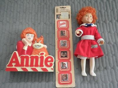 3 Vintage 1981 Little Orphan Annie Lot: AM Radio, Doll w/ Clothes & Paper Clips