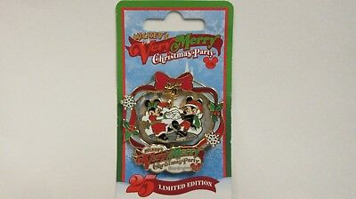 Disney 2008 Very Merry Christmas Party / Mickey & Minnie Spinner Pin - LE 4000