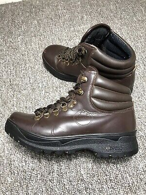 958f11a68bd WOMANS LOVESON VIBRAM Walking Hiking Boots SIZE 6