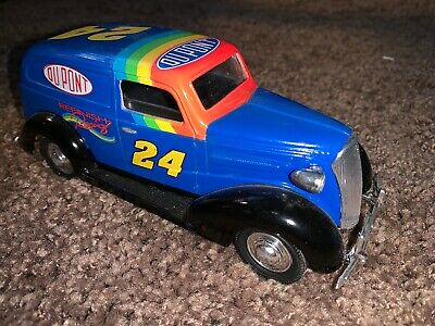 Jeff Gordon 24 Dupont 1937 Chevy Sedan Delivery Lockable Coin Bank