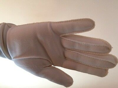 vintage gloves...cream Fabric...approx Size 7