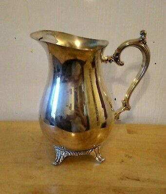 Wm. Rogers Silverplate 817 Footed  Water Pitcher with Ice Lip
