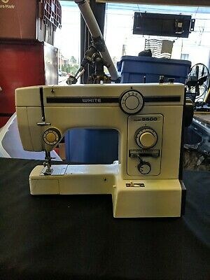 Vintage White Sewing Machine ZigZag Model 5500 as is