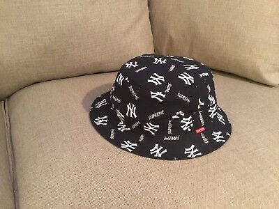 7d423e2427ba SUPREME NEW YORK Yankees Bucket Hat Navy Size Md / Lg