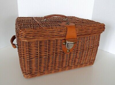 "Vintage Wicker Basket Chest Storage Trunk Leather Handles Metal Clasp 17"" x 12"""