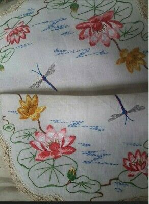 Vtg Dragonfly Waterlilies Lily Pads Large Heavily Hand Embroidered Centre Doily
