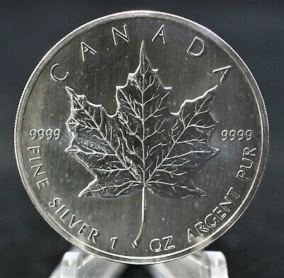 Canada 1990 Pure Silver Maple Leaf Better date. 065