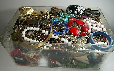 ESTATE VINTAGE - NOW JEWELRY LOT NECKLACES EARRINGS  READY TO WEAR NO JUNK 6 pc
