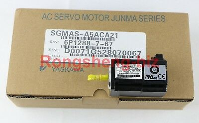 1PC New in Box YASKAWA SGMAS-A5ACA21 AC Servo Moteur #017